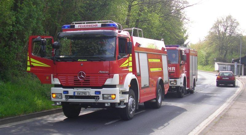 Einsatzfahrzeuge an der Koisdorferstr.