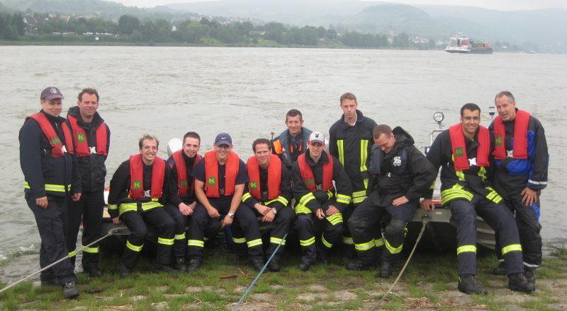 Lehrgangsteilnehmer am Rhein