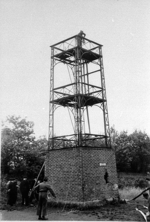 Steigerturm von 1909 beim Abriss