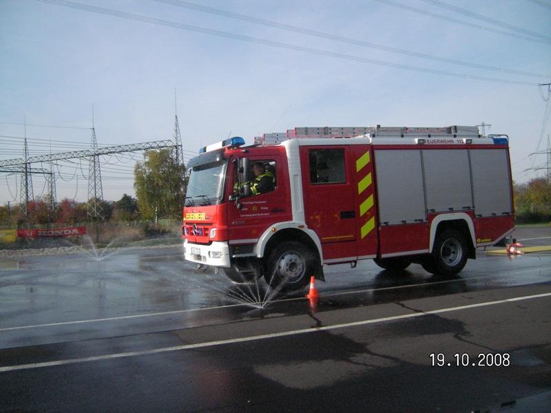 TLF 16/25 beim Fahrsicherheistraining