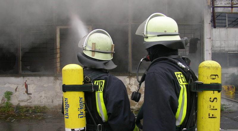 Feuerwehrarbeit - meist rein ehrenamtlich