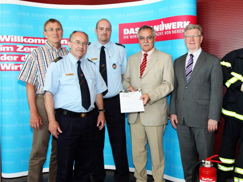 Zusammenarbeit von Feuerwehr und Handwerk