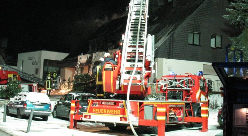 Dachstuhl eines Reihenhauses brannte ab