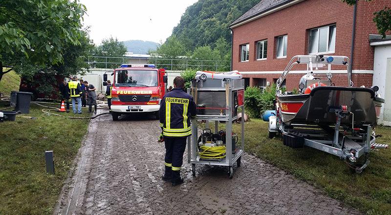Unterstützung mit Geräten der Feuerwehr Sinzig