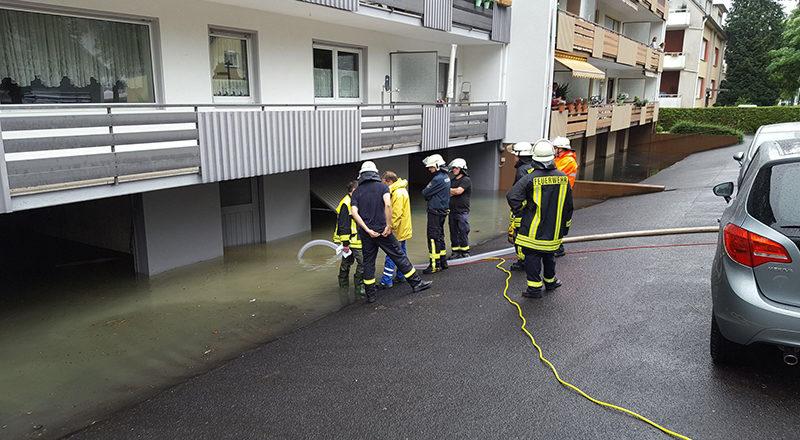 Hochwasser in der Josef-Hardt-Allee