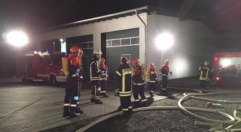 Brand in einer Autowerkstatt