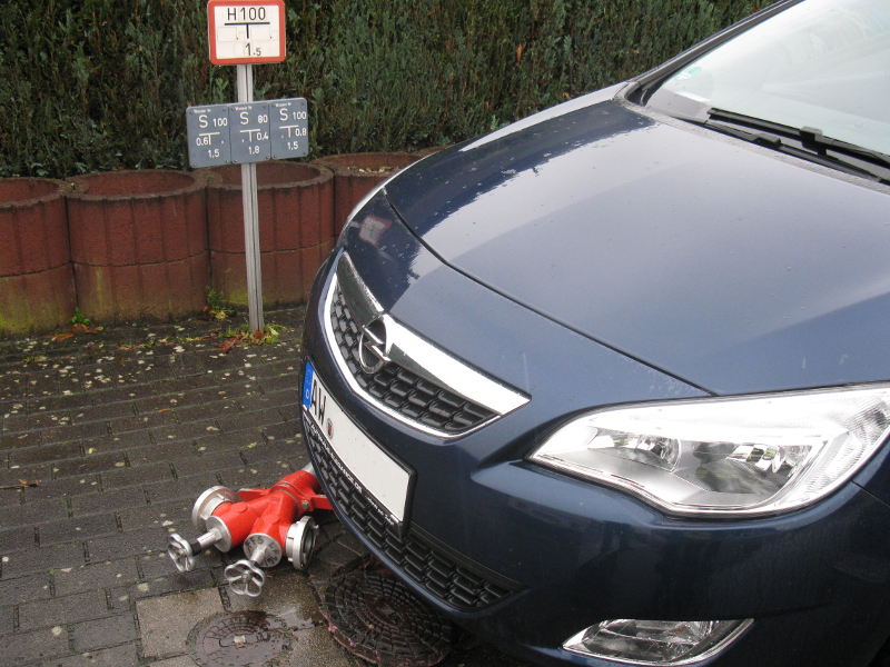 Parken auf einem Hydranten kann teuer werden