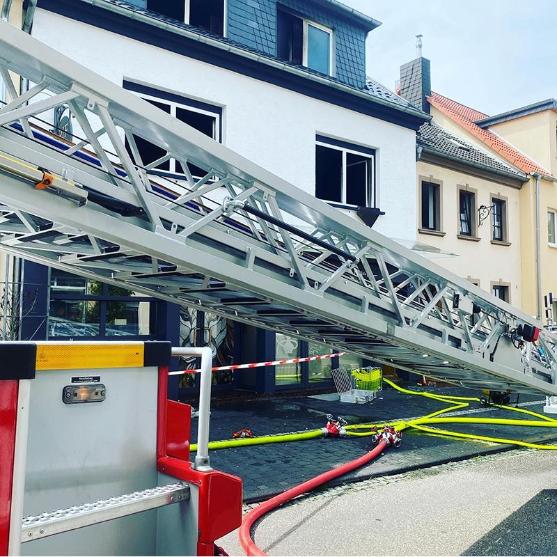 13.08.2020 - Gebäudebrand Mühlenbachstraße