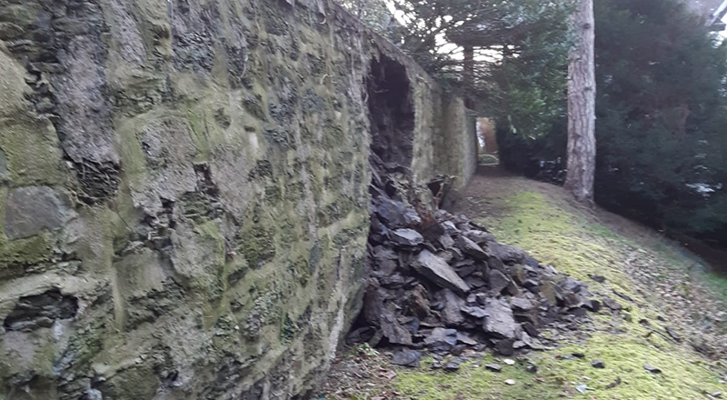 20.02.2021 Bruchsteinmauer eingebrochen